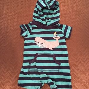 Carter's One Pieces - 🛍5/$25🛍 Whale hooded romper